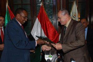 وزير الزراعة ونظيره السوداني
