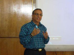 د.أسامة بدير، رئيس تحرير الفلاح اليوم